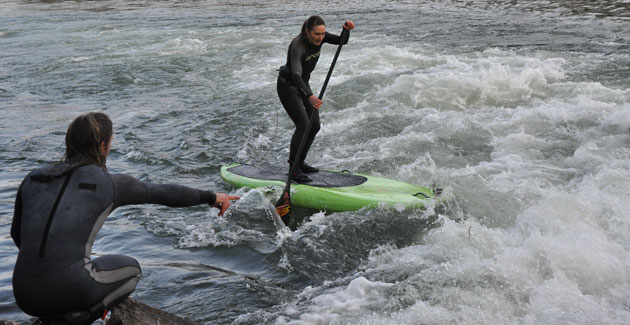 Annabel Anderson SUP Isar Wave Bavaria