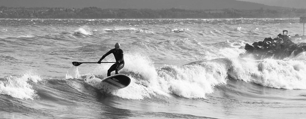 SUP (Stand Up Paddle) Surfen auf dem Genfer See